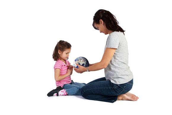 mom_child_globe